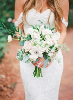 Outdoor Romantic Bridal Session | Wedding Sparrow | Becca Lea Photography