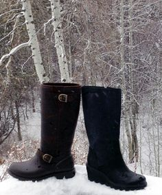 Stylish Cold Weather Boots- Bogs and Sorel chicify the chill factor #winterboots