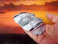 Cylon Raider Paper Model by Dave Winfield - Dave's Card Creations © www.cutandfold.info
