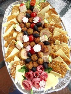 Party Platters, Food Platters, Party Canapes, Appetizer Recipes, Appetizers, Charcuterie Board, Food Presentation, Food Design, Finger Foods