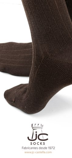 Calcetines hombre invierno altos de lana merino. Calcetines de vestir invierno. Shop online www.jcsocksbarcelona.com Fabricantes de calcetines Man, Socks, Fashion, Dress Socks, Winter Dresses, Man Women, Men, Women, Moda