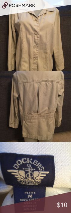 Dockers Jacket Dockers Jacket with button down front and back slit detail; Petite medium Dockers Jackets & Coats