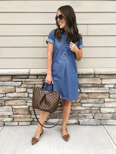 Crew factory back to school haul fall outfits одежда, повс Denim Shirt Dress Outfit, Jean Dress Outfits, Sleeveless Denim Dress, Chambray Dress, Summer Dress Outfits, Jeans Dress, Fall Outfits, Fashion Outfits, Denim Dresses
