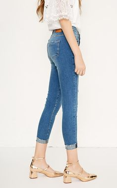 bb65a0d0b4 Women s Spring Autumn Ripped Cropped Slim Strech Jeans