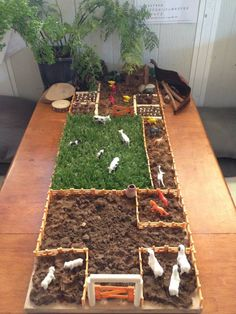 Mini world play met modder en andere natuurlijke materialen