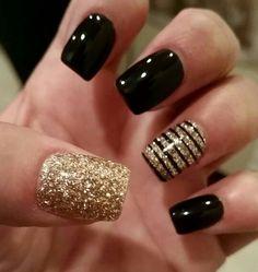 Black  Gold Mani... winter nails - http://amzn.to/2iZnRSz