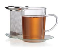 This Sonja Tea Filter Set, including glass cup, saucer and mesh infuser, is the ideal way to enjoy tea for one