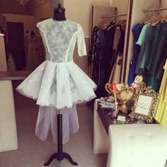 Fitting of the beauty. Formal Dresses, Beauty, Fashion, Beleza, Moda, Formal Gowns, La Mode, Black Tie Dresses, Cosmetology