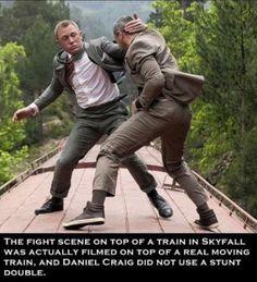 James Bond - Daniel Craig and Ola Rapace fighting on a train in new Skyfall Bond movie James Bond Skyfall, James Bond Movies, Rachel Weisz, Ola Rapace, Martial, New Flame, Daniel Craig James Bond, Bond Cars, Best Bond