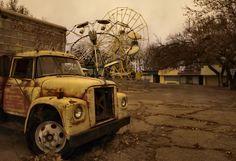 Um lugar abandonado soa assustador e, às vezes, até mal-assombrado, imagine então um parque de diversões completamente abandonado há oito anos!