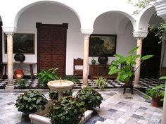 i would love to have a courtyard