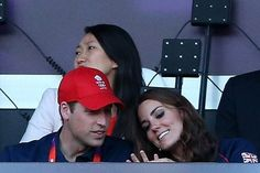 LONDON, ENGLAND - AUGUST 05:  (L-R) Prince William, Duke of Cambridge, and Catherine, Duchess of Cambridge attend the evening's Athletics events during the Women's Marathon on Day 9 of the London 2012 Olympic Games on August 5, 2012 in London, England.