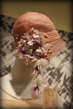 Hat: ca. 1920's.     Photos from http://www.scottsdalefashionista.com/obsessories-vintage-hats/