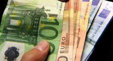 nuovi debiti con gli strozzini per pagare l'usuraio, alla fine fa arrestare tutti