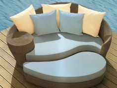 Versatile Wicker Furniture, 25 Ideas for Indoor and Outdoor Home Decorating Outside Furniture, Outdoor Furniture Design, Wicker Furniture, Furniture Decor, Modern Furniture, Outdoor Couch, Outdoor Living, Outdoor Decor, Outdoor Ideas