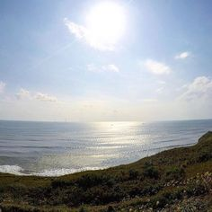 【bluesea_1173】さんのInstagramをピンしています。 《おはようございます🎶 今日は朝から雨で倍寒いですね…土日は晴れますように🎶  いい景色っすね〜風邪流行ってるので皆様気を付けて下さい‼︎ #gopro#goprohero4#like4like#surf#surfing #chiba#sea#beach#waves#amazing #sunny#bluesky#sun#sky#clouds #beautiful#instapic#instagood #千葉#海#朝日#太陽#空#雲#青空#自然#最高 #サーフィン#風景#ゴープロ》