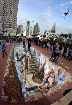 3-D Sidewalk Chalk art. I wish I were this man. elizabethkonrad