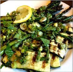 Grilled Veggies with Lemon Herb Vinaigrette Recipe - The Lemon Bowl Side Dish Recipes, Lunch Recipes, Vegetable Recipes, Vegetarian Recipes, Cooking Recipes, Healthy Recipes, Yummy Recipes, Cooking Bacon, Grill Recipes
