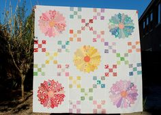 Love this Dresden and Irish chain quilt - very pretty!