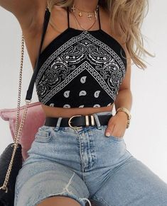 10 Cute Crop Tops You Need For Summer. Source by 10 Cute Crop Tops You Need For Summer. Source by outfits summer Cute Summer Outfits, Cute Casual Outfits, Retro Outfits, Stylish Outfits, Casual Chic, Summer Festival Outfits, Coachella Festival, Festival Tops, Outfit Ideas Summer