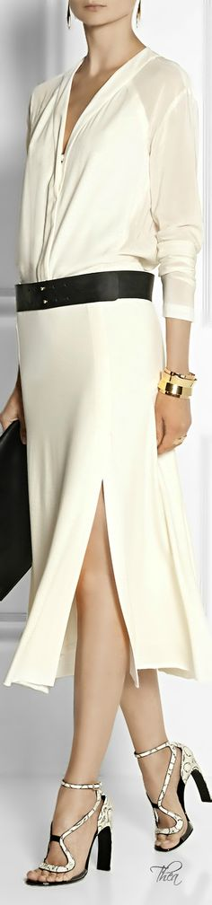 Donna Karan ● Cosmopolitan aesthetic stretch-midi dress