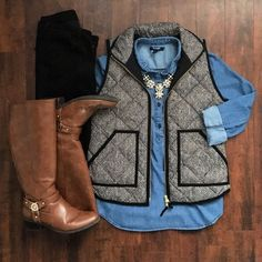 Black jeans + Herringbone Vest + Chambray dressed up with a statement necklace Fall Winter Outfits, Autumn Winter Fashion, Winter Clothes, Mens Winter, Winter Wear, Sweater Weather, Herringbone Vest, Casual Outfits, Cute Outfits