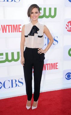 Favourite outfit.  That bow collar. That hair flip. Those shoes.  & that lady. Love Rachel Bilson style.