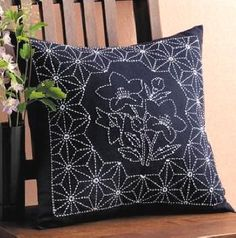bell flower sashiko pillow  make open space for stand alone motif