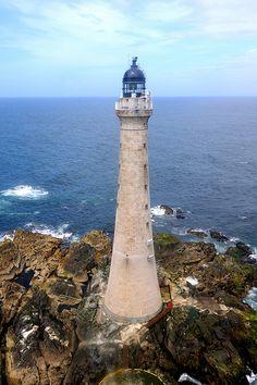 Skerryvore Lighthouse · 10 miles south west of Tiree · Hebrides · Scotland (Pos.: 56° 19.381'N  7° 06.865'W); built 1844 by Alan Stevenson; Grey granite tower 48 metres high (highest Lighthouse scotlands); Range 23 nm