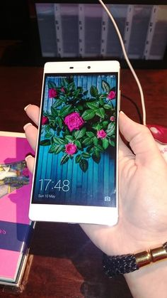 Take the perfect selfie with the Huawei P8