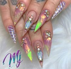 Semi-permanent varnish, false nails, patches: which manicure to choose? - My Nails Opal Nails, Bling Nails, Stiletto Nails, Coffin Nails, Cute Acrylic Nails, Cute Nails, Pretty Nails, Hard Nails, Broken Nails