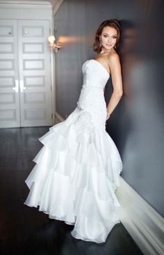 Trumpet / mermaid organza sleeveless bridal gown..... My wedding dress!!!!