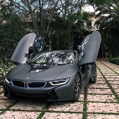 The Most Luxury Cars In The World Amazing car from the world's leading auto brand name. BMW is just one of the top class car brands on the planet. The products of BMW cars are undoubte. Luxury Sports Cars, Top Luxury Cars, New Sports Cars, Exotic Sports Cars, Sport Cars, Exotic Cars, Luxury Suv, Bmw Sport, Bmw Autos