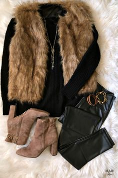 ddce9c53db3 4 Simple   Stylish Thanksgiving Outfit Ideas · Fur ...