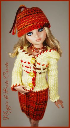 Barbie Knitting Patterns, Crochet Dolls Free Patterns, Barbie Clothes Patterns, Clothing Patterns, Crochet Doll Dress, Crochet Barbie Clothes, Knitted Dolls, Jumpsuit With Sleeves, Cute Dolls
