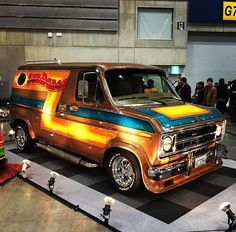 """Sun Dance"" Ford Van in Japan..vk"