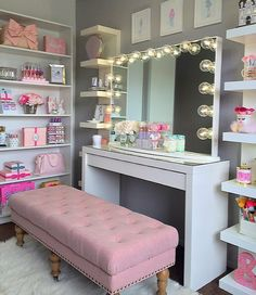 the In-Crowd Won't Tell You About Makeup Rooms Ideas Decor Organizations - prekhome Cute Bedroom Ideas, Cute Room Decor, Girl Bedroom Designs, Teen Room Decor, Room Decor Bedroom, Teen Room Designs, Makeup Room Decor, Makeup Rooms, Glam Room