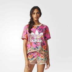 Discover our extended adidas clothing collection for women. Your favourite clothing items available in a wide range of styles and colours on adidas. Adidas Fashion, Sport Fashion, Adidas Shoes Women, Adidas Outfit, Sport Chic, Sporty Style, Look Cool, Nike, Sportswear