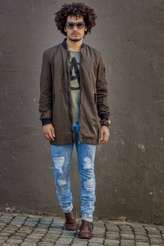 Look Masculino - Jaqueta masculina verde Militar Riachuelo - Jeans Detonado Masculino - Coturno Masculino - Street Style - Look Inverno - Men Style - Winter Look - Military Jacket