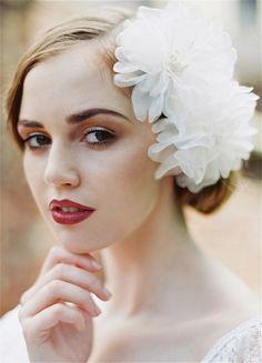 1920's inspired bridal hair accessories from Enchanted Atelier | via junebugweddings.com