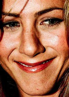 Jennifer Aniston without photoshop. (en voilà de beaux pores dilatés !)
