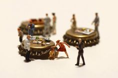 """Since 2011, artiste Tatsuya Tanaka works on the """"Miniature Calendar"""", an annual calendar which feature clever and playful sceneries depicting the daily life of tiny people in interaction with common objects."""