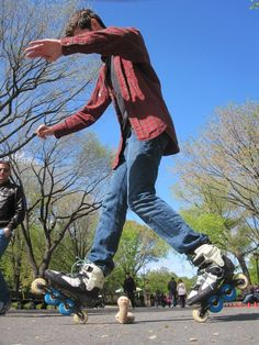 Tippy-Toes! This guy in Central Park had mad tricks! Do they make Speedy size skates?....