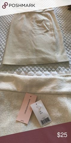 Banana Republic, Winter White Wool Skirt, 4P Pencil Banana Republic Skirts Pencil