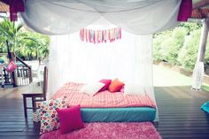 Outdoor sleepover...perfect for the summer time! adult sleepover