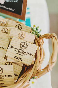 wood burned cutting board #favors - photo by http://www.jonathanong.com/ - http://ruffledblog.com/handcrafted-singapore-wedding/