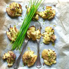 Knuste poteter med urte- og hvitløsolje
