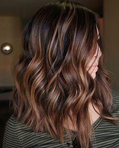 Brown Hair Balayage, Brown Blonde Hair, Hair Color Balayage, Pearl Blonde, Wavy Hair, Bayalage On Dark Hair, Dark Hair With Lowlights, Balayage Ombre, Reddish Brown Hair