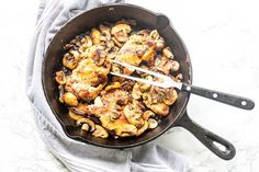 Garlic Chicken Thighs With Mushrooms {delicious recipe} - The Tortilla Channel Garlic Chicken Recipes, Chicken Thigh Recipes, Pork Chop Recipes, Chicken Ideas, Chicken Thighs Mushrooms, Sweet Sour Chicken, Healthy Groceries, Food Dishes, Main Dishes