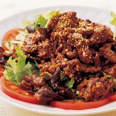 レタスクラブの簡単料理レシピ にんにくをきかせた漬けだれで「韓国風焼き肉サラダ」のレシピです。
